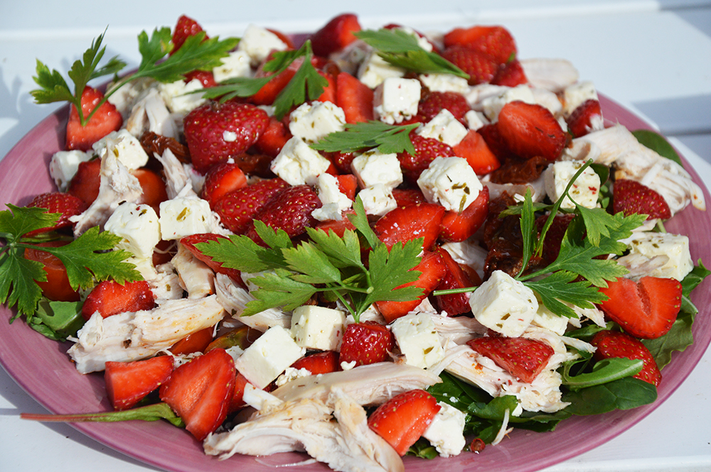 kycklingsallad med jordgubbar